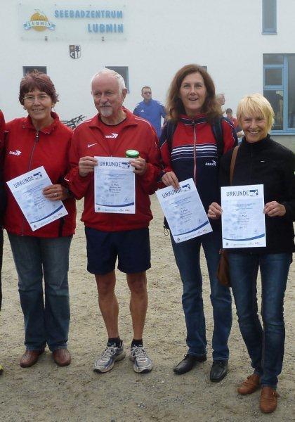 Foto lupus - v.re n. li. Uschi Siwon, Sabine Neumann, Dr. Uli Chill, Barbara Wolff (alle SV Warnemünde)